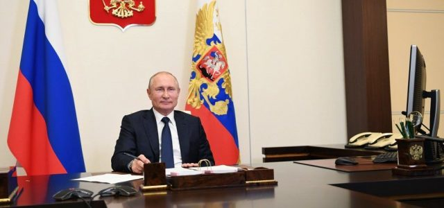 Július 1-jén szavaznak az oroszok arról, hogy Putyin újra elnök lehessen