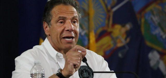 New York kormányzója a rendőrséget okolja az elfajult helyzet miatt