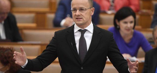 Szijjártó: Csehország, Ausztria és Szlovákia is feloldja a korlátozásokat a magyarokkal szemben