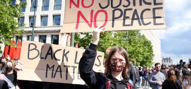 Vízágyút is bevetettek belga rendőrök tüntetőkkel szemben Brüsszelben