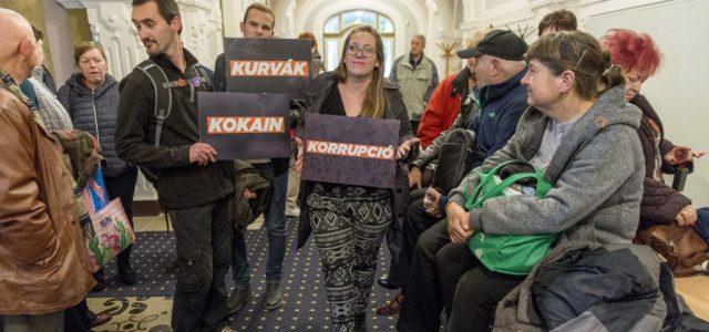 A magyarokat zavarja a legkevésbé a korrupció az EU-ban