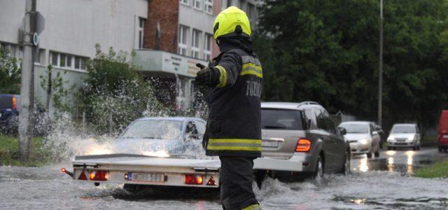 Csak Budapesten 350 helyre mentek ki a tűzoltók a vihar miatt