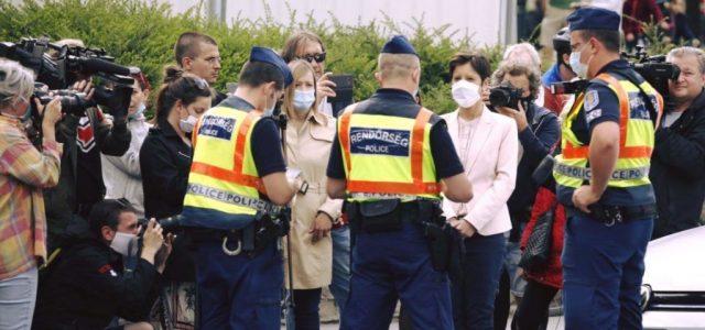 106 embert büntettek meg a rendőrök a dudálós tüntetések miatt