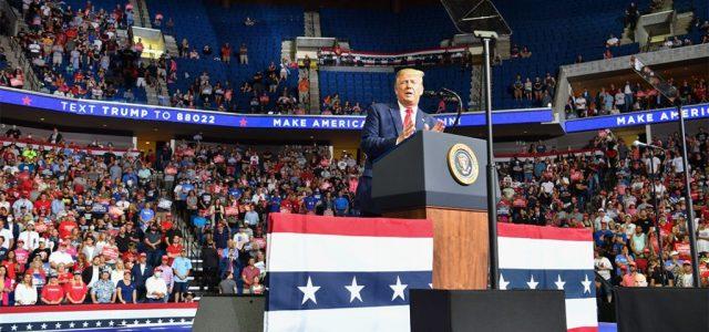 """""""Az egész szörnyű volt"""" – így fulladt kudarcba Trump kampányindító gyűlése"""