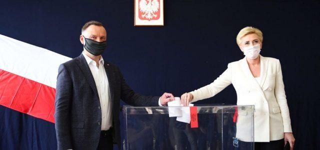 Andrzej Duda nyerte a lengyel elnökválasztás első fordulóját