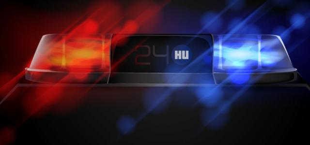 Frontálisan ütközött két autó Sárvárnál, mindkét sofőr kizuhant az autóból
