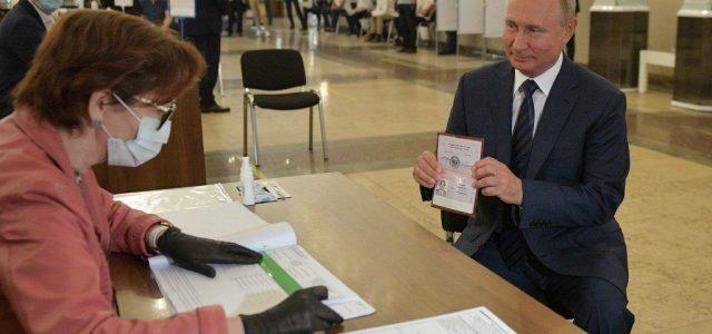 Úgy tűnik, Putyin 2036-ig elnök maradhat