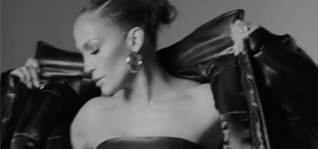 Jennifer Lopez teste tényleg minden szögből tökéletes