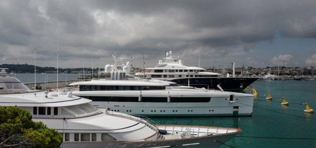Gazdagokra kirótt adóemelést sürget nyílt levélben 83 milliomos