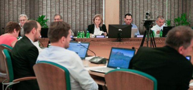 A Fidesz és a Mi Hazánk miatt felfüggeszthetik Tatabánya állami támogatásait