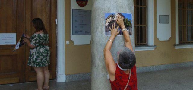 A Momentum kiplakátolta a kispesti városházát a vagyonkezelő vezetőjének spanyolországi villájával