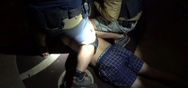 Összehangolt rendőri akcióban fogták el a szikszói dílereket – videó