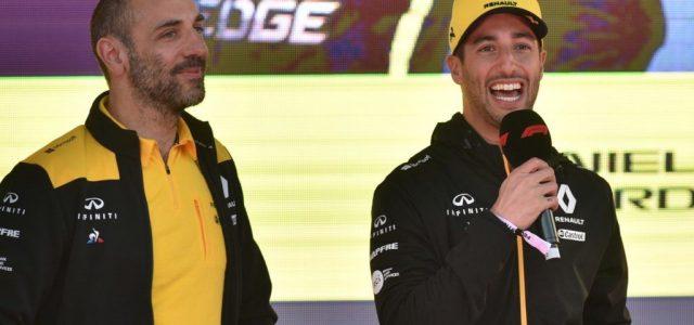 Ha Ricciardo dobogós lesz idén, tetoválást kap a csapatfőnök