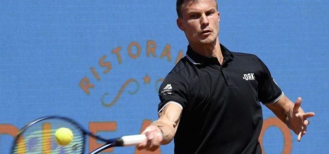 Visszatért a nemzetközi tenisz, Fucsovics győzelemmel kezdett