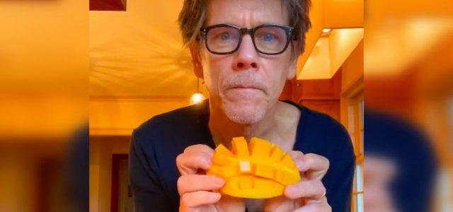 Itt egy videó Kevin Baconről, ahogy suttogva készíti el kedvenc reggelijét, egy mangót