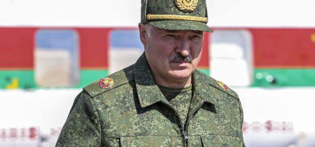Fehéroroszország budapesti nagykövetsége előtt is tüntettek Lukasenka ellen