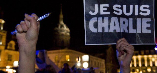 Újra közzéteszi a Mohamedet gúnyoló rajzokat a Charlie Hebdo, amik miatt a lap több karikaturistáját megölték