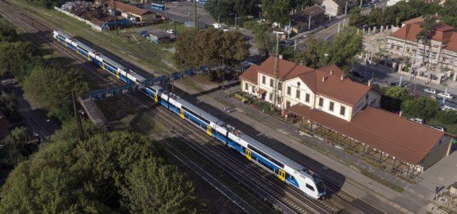 A koronavírus miatt kevesebb vonat közlekedik szombattól Budapest és Bécs között