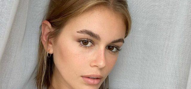 Kaia Gerber egy meztelen fotóval tudatta, hogy 19 éves lett