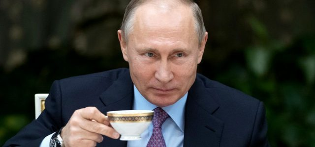 Putyin büntetlenül keverhet idegmérget bárki teájába?