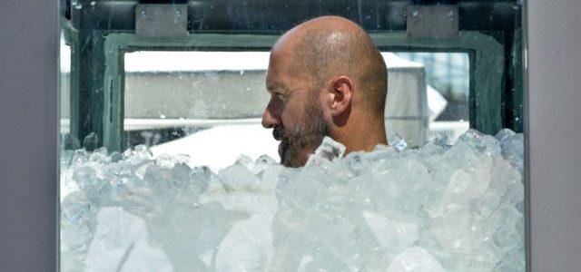 Egy osztrák férfié a jégkockákkal teli tartályban töltött idő világrekordja