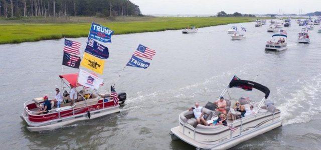 Trump mellett tüntettek hajókkal, négy el is süllyedt