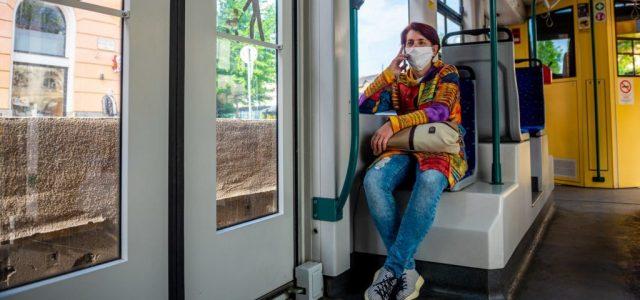 8 ezer forintra büntethetik a maszk nélkül utazókat Budapesten