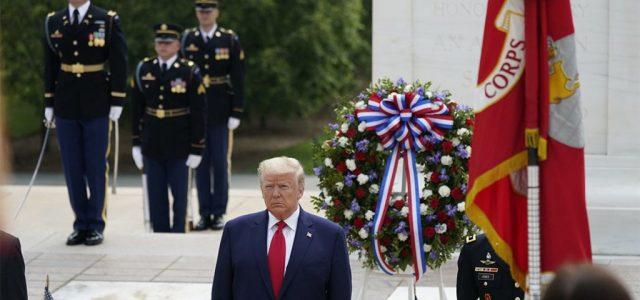 Trump lenézi a katonákat, és veszteseknek tartja a hősi halottakat