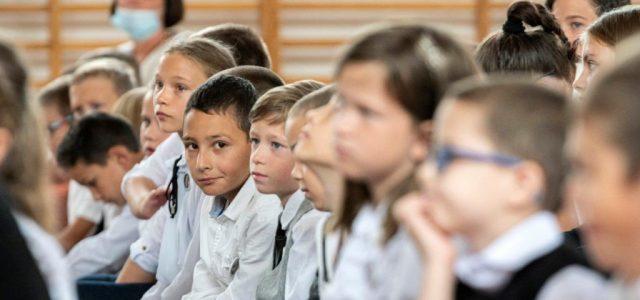 PDSZ: Rövidesen tömeges iskolabezáráshoz vezethetnek a kormány intézkedései
