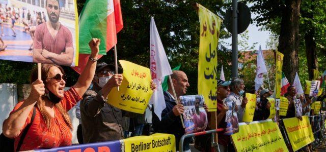 Kivégezték az iráni világbajnok birkózót hazájában