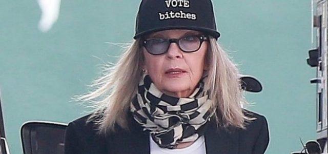 Diane Keaton sapkája üzeni: Szavazzatok ribancok