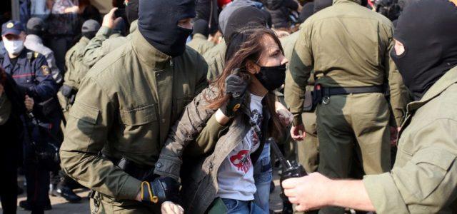 Több száz bizonyítékot gyűjtöttek össze a fehéroroszországi kínzások áldozatairól