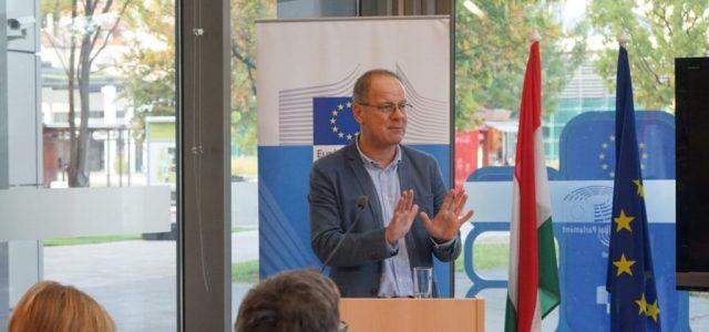 Navracsics: Az uniós politika beszivárgott a belpolitikába