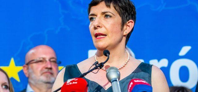 Dobrev: Európában csak Magyarországon nem segít az állam a koronavírus miatt bajba került embereken