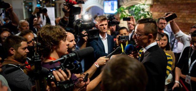 Jogi eljárást indít a TASZ az újságírók listázása miatt