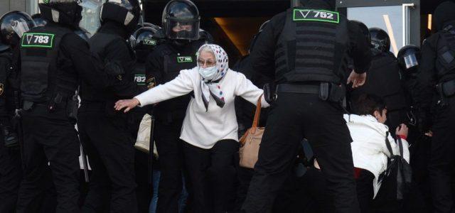 Lukasenka kéthetes karantént rendelt el a nyugati országokból érkezőknek