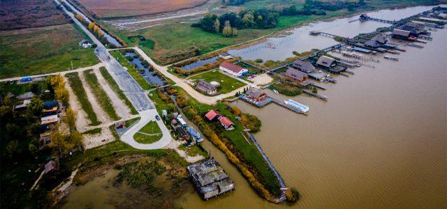 Napi háromszáz teherautóval érkezhet a NER a Fertő tó partjára