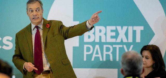 Vége a Brexit Pártnak, mostantól a koronavírus miatti lezárások ellen harcolnak