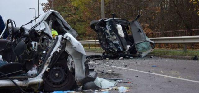 Ketten haltak meg abban a salgótarjáni balesetben, amit egy 17 éves okozott jogosítvány nélkül, lopott autóval