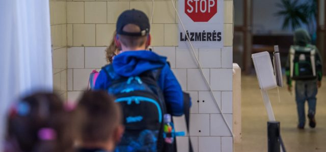 PDSZ: Azonnal zárják be a magyar iskolákat!