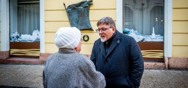Győr fideszes polgármestere kiskaput talált a kormány ingyenes parkolást elrendelő döntésében
