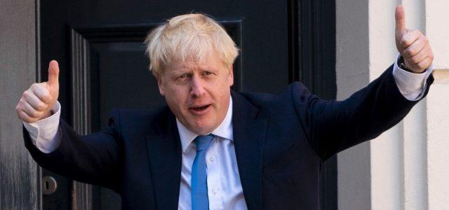 Boris Johnsonnak, aki egyszer már átesett a koronavíruson, ismét karanténba kell vonulnia
