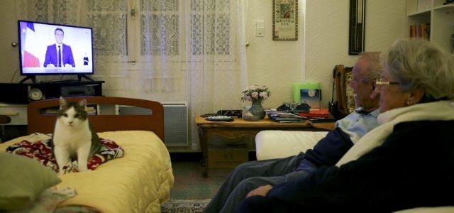 Decemberben véget ér a karantén Franciaországban, de jön az éjszakai kijárási tilalom