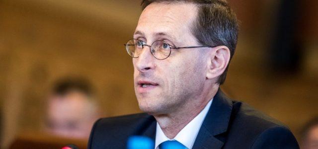 Pénzügyminisztérium: nincs gond, és nem is módosítanak a 2021-es költségvetésen