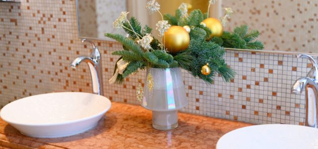 Belgiumban lehet vendégeket hívni karácsonyra, de a vécét csak egyikük használhatja