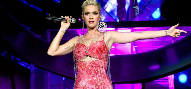 Idén 25 éves a Pokémon, ennek örömére Katy Perry felénekelt egy dalt