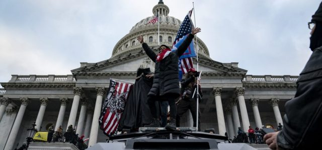 Több tucatnyi, terrorizmus ürügyén megfigyelt ember volt a Capitoliumnál