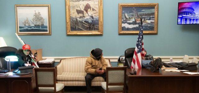 Az FBI szerint Nancy Pelosi ellopott laptopját az orosz hírszerzésnek akarták eladni