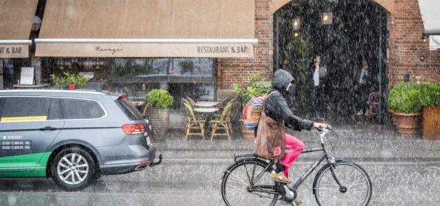 Dániában is megkezdik a lazítást: nyitják az iskolákat