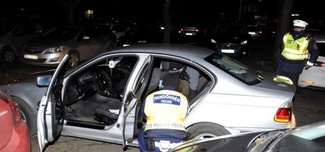 Több kerületen keresztül üldöztek a rendőrök egy autót